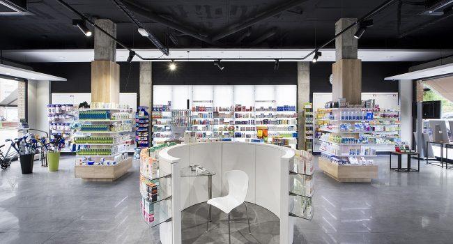 Góndola de la farmacia Climent