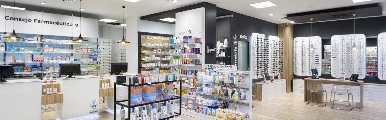 Interior de la Farmacia Navarro 11