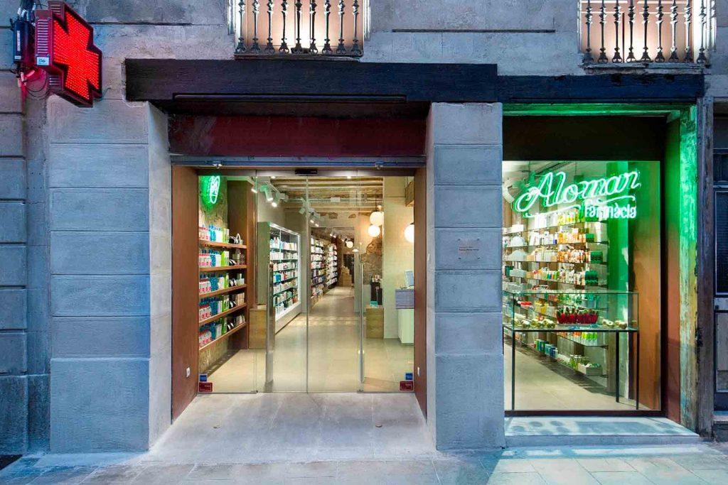 fachada farmacia alomar