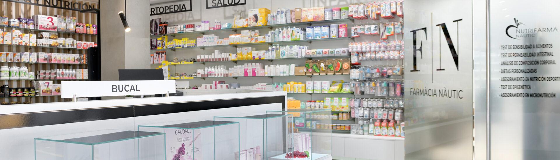 Interior de la Farmacia Nautic